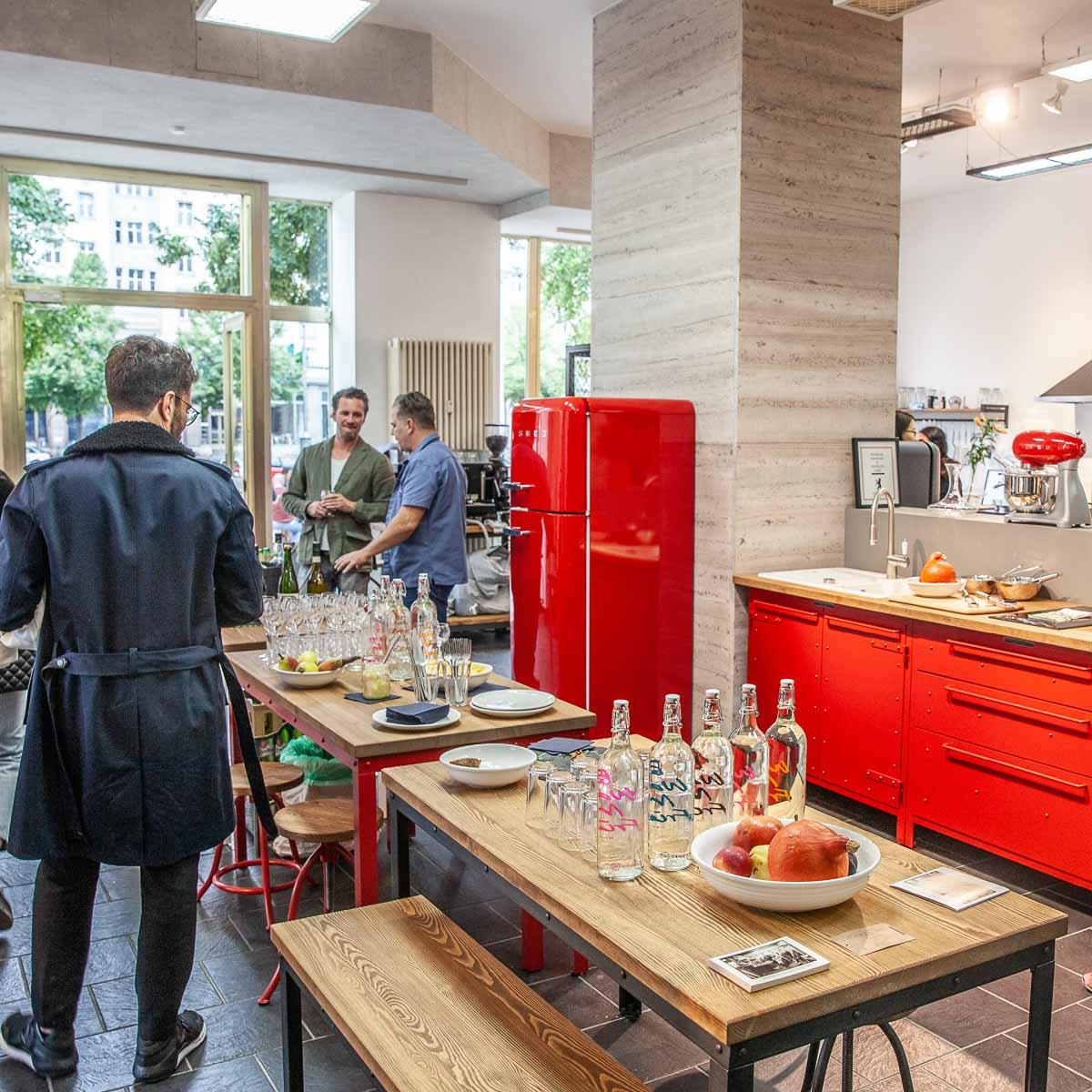 Authentic Kitchen Showroom Karl-Marx-Alee Berlin-6
