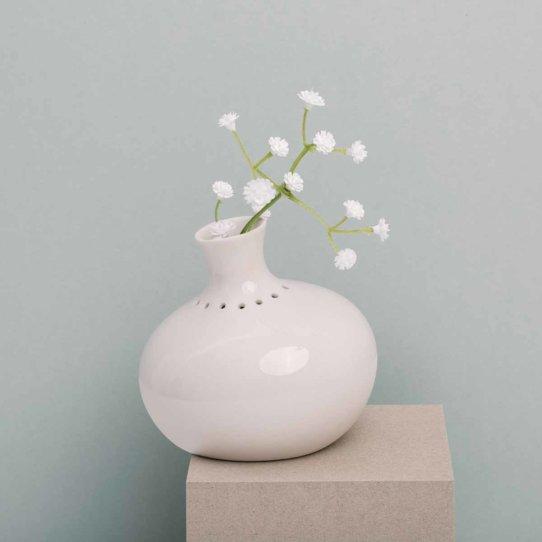 Feinesweißes Porzellan von Katy Jung in Prenzlauer Berg-8