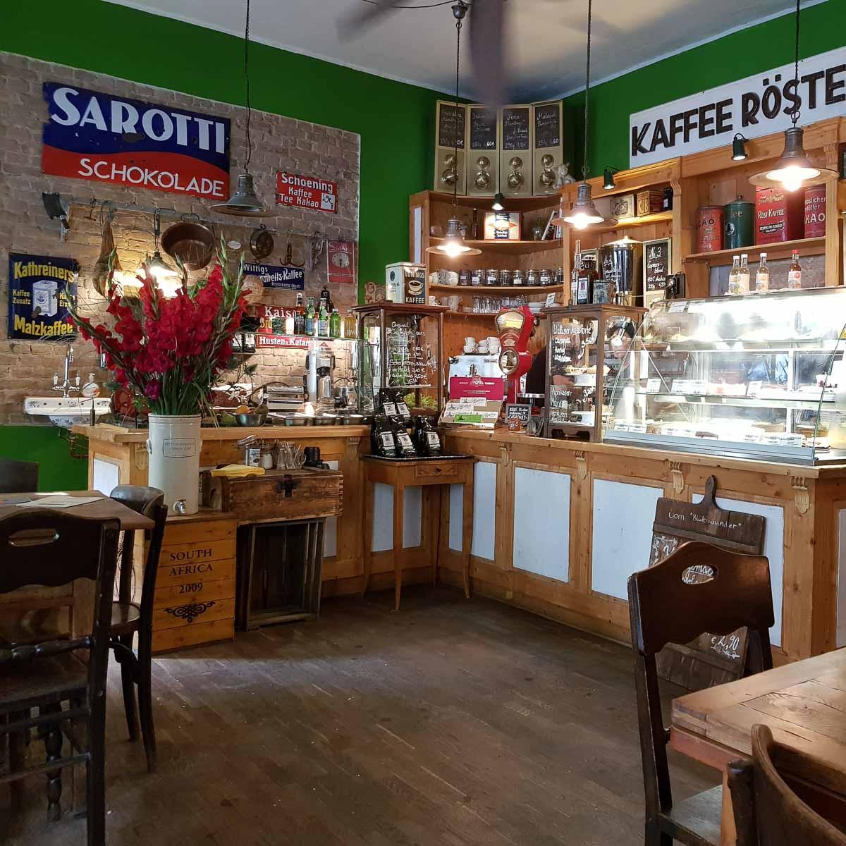 Pakolat Kaffeerösterei, Tortenmanufaktur und Café Berlin-2