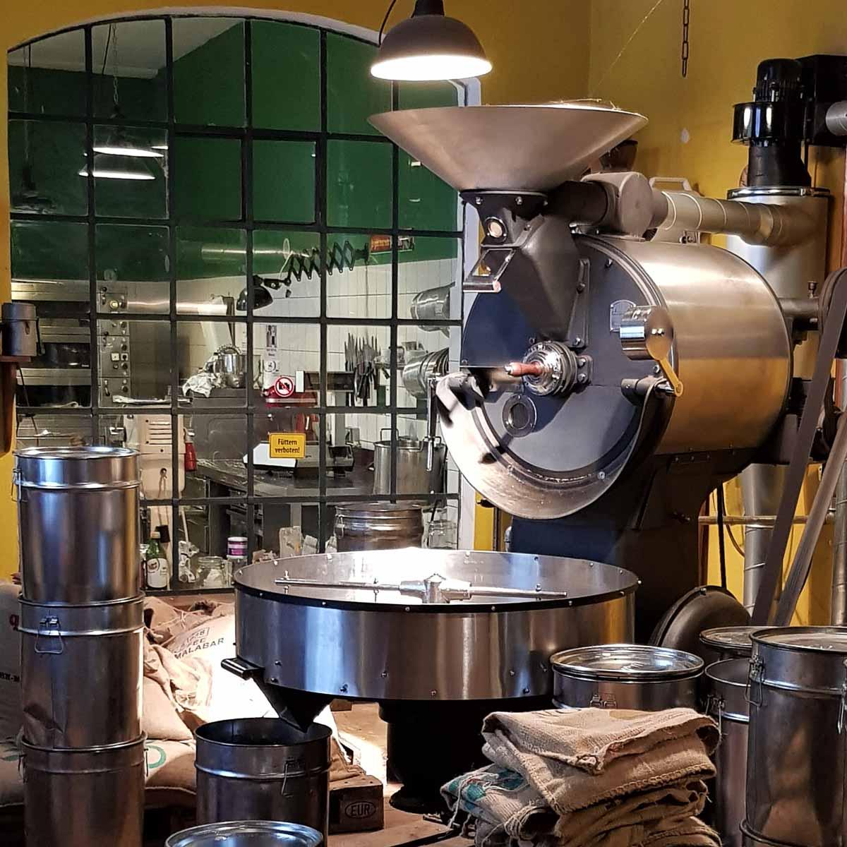 Pakolat Kaffeerösterei, Tortenmanufaktur und Café Berlin-5