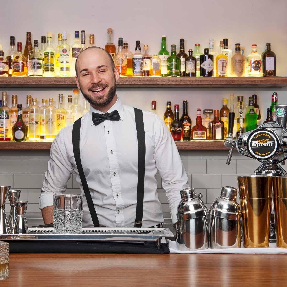 Maximilian Bar & Cafe München-5