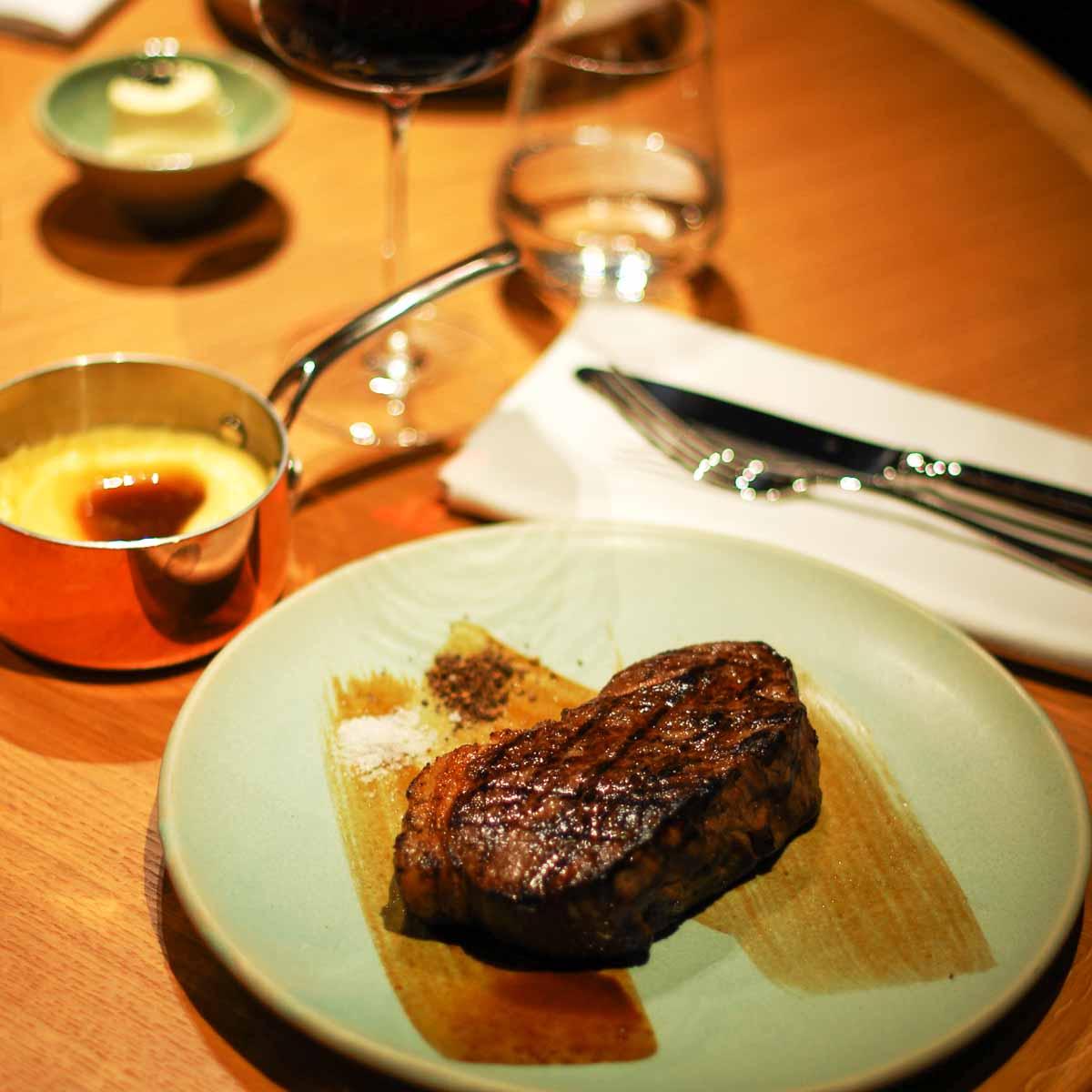 Restaurant The Louis Grillroom in München-8