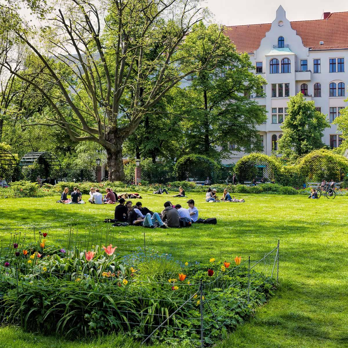 Der Savignyplatz in Charlottenburg