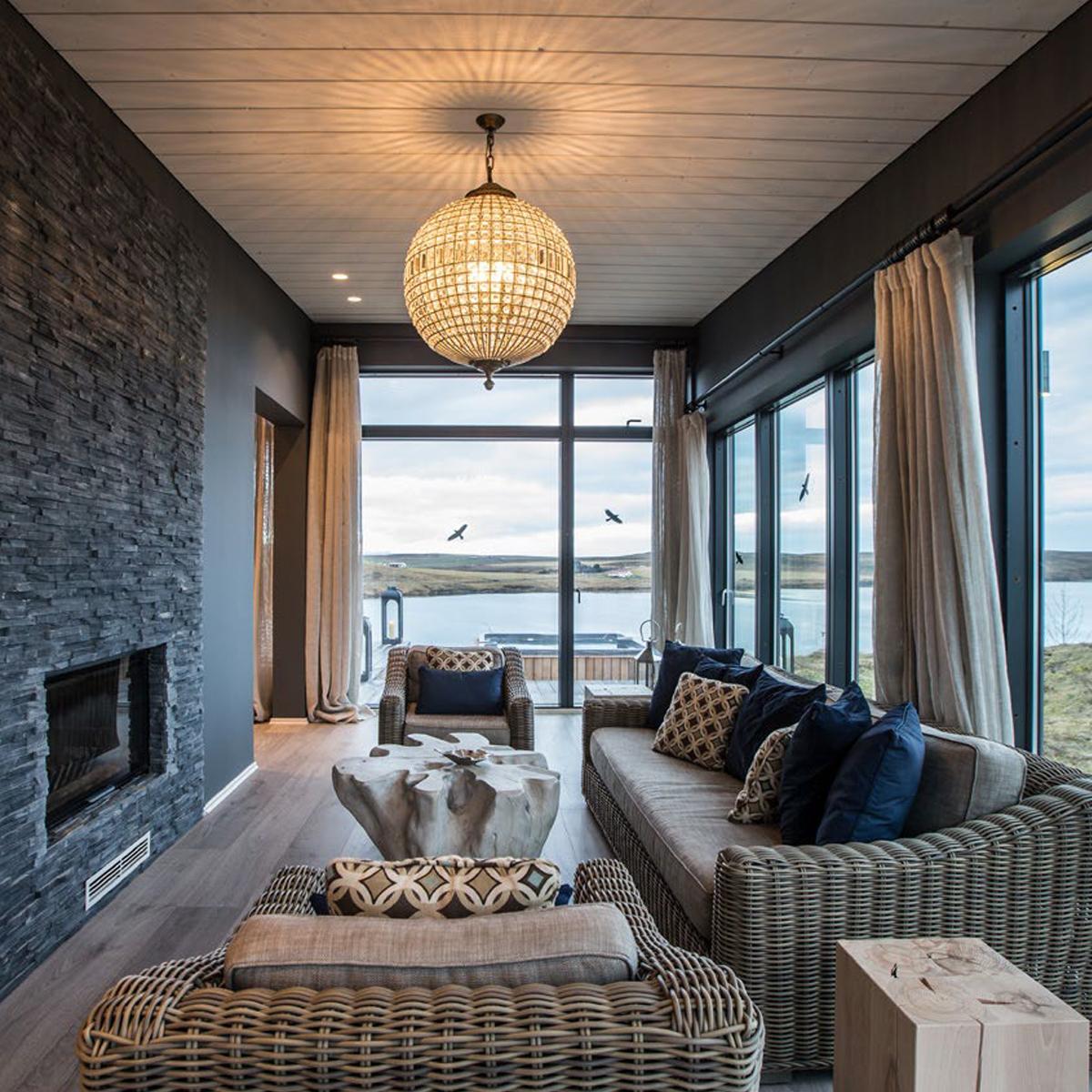 Private Lodge | Island