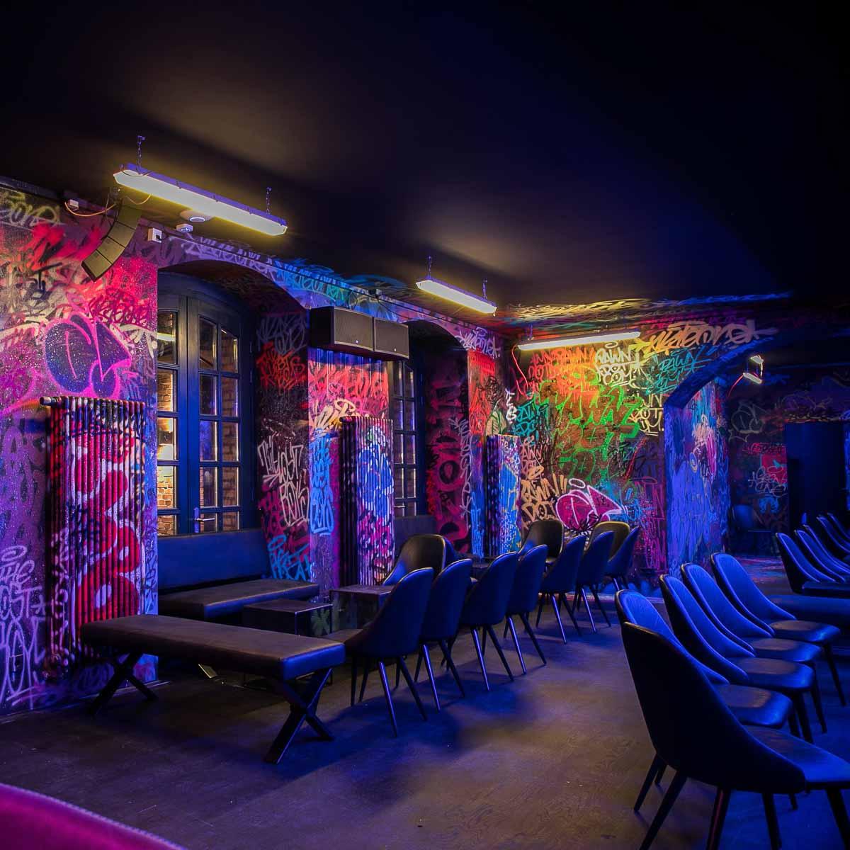 Pawn Dot Com Bar auf der Torstarße in Berlin-Mitte-3