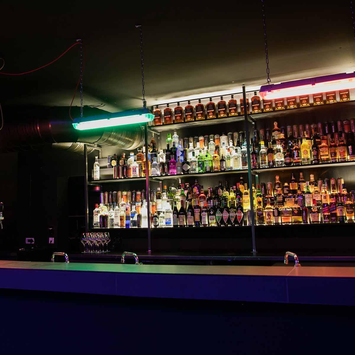 Pawn Dot Com Bar auf der Torstarße in Berlin-Mitte
