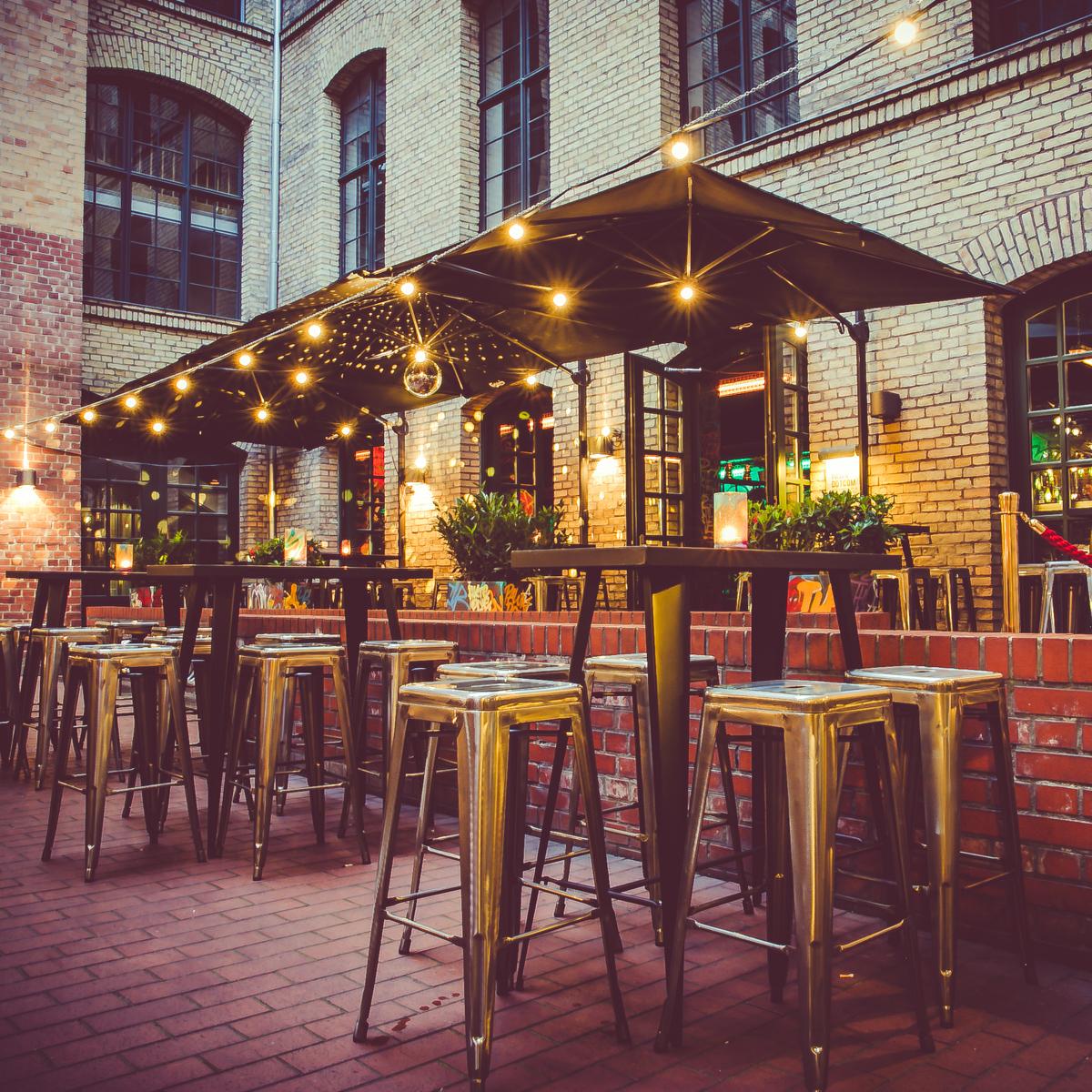 Pawn Dot Com Bar mit Terrasse in Berlin Mitte