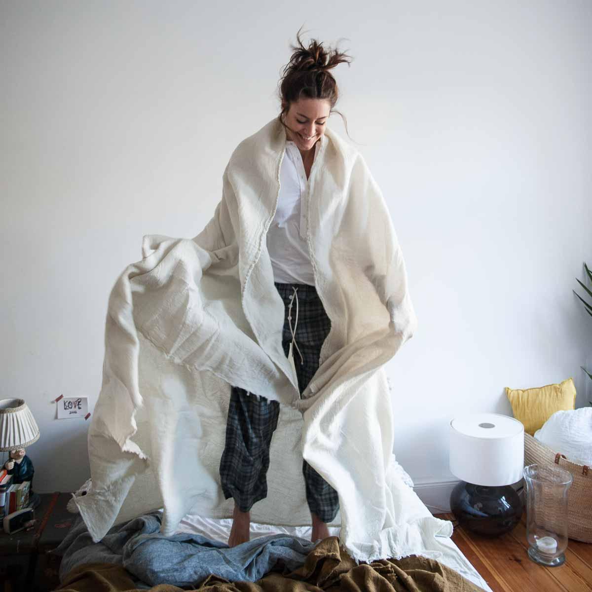 Tagesdecke Merino Wash von Sunday in Bed-3