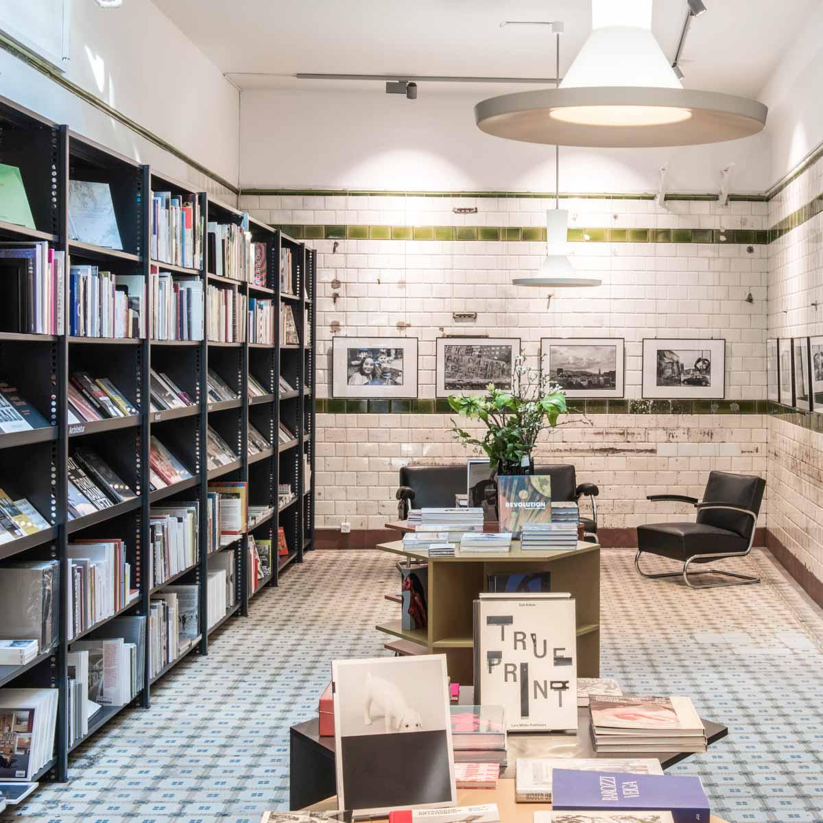Buchhandlung Never Stop Reading Zürich-1