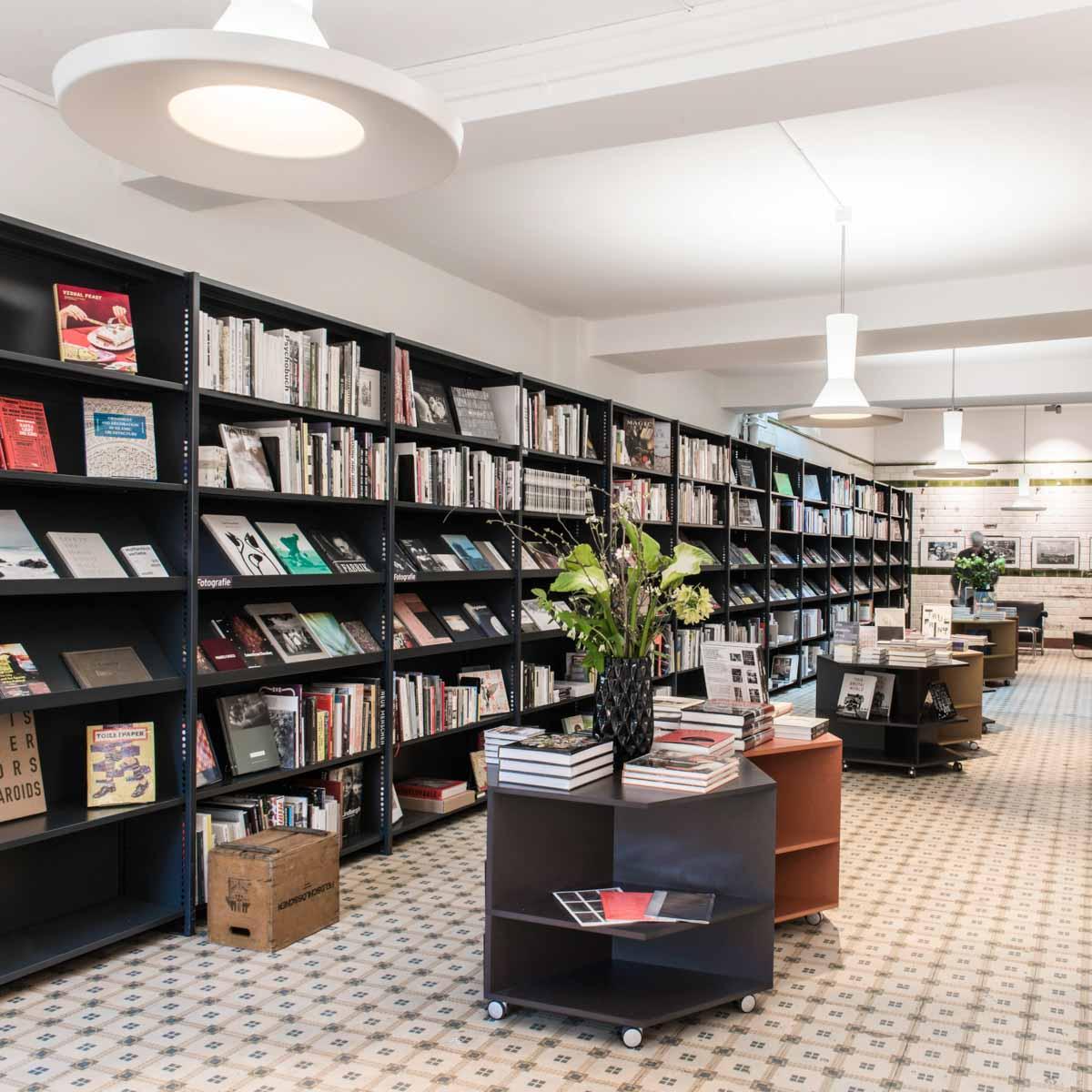 Buchhandlung Never Stop Reading Zürich-3