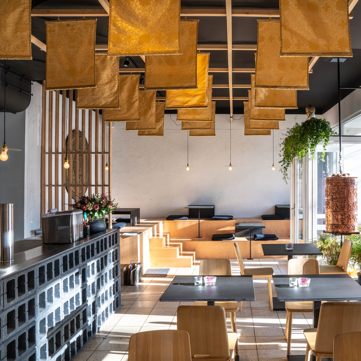 Holy Everest Restaurant Berlin Prenzlauer Berg-1