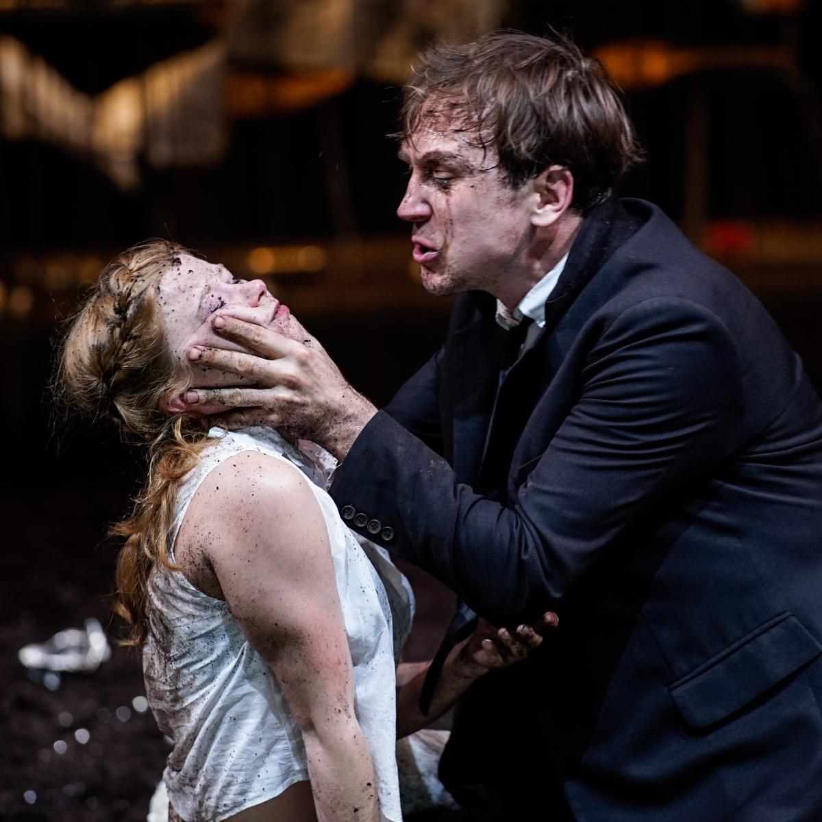 Hamlet   Schaubühne   ©Arno Declair
