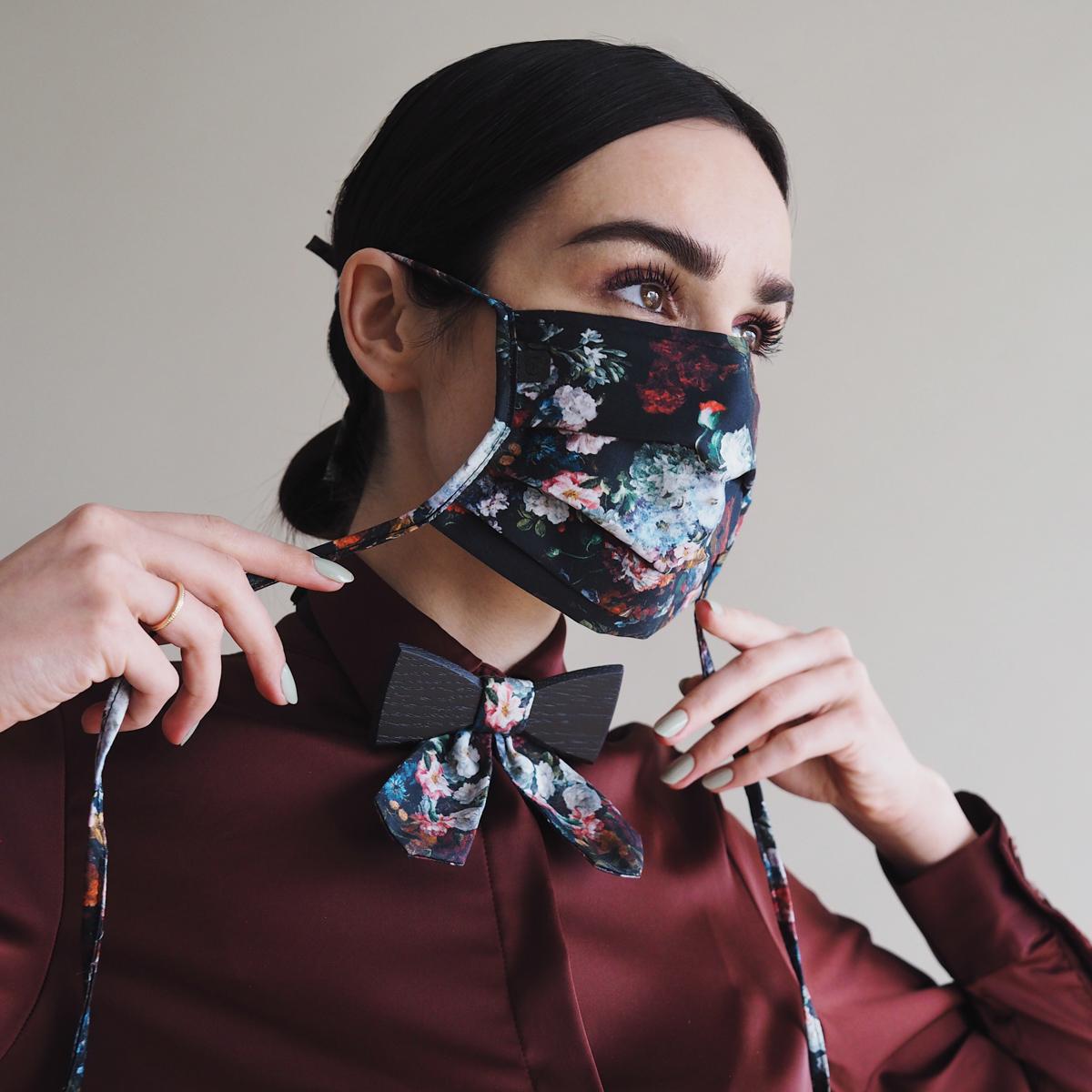 Akvile Trautmann Flower Maske II BeWooden