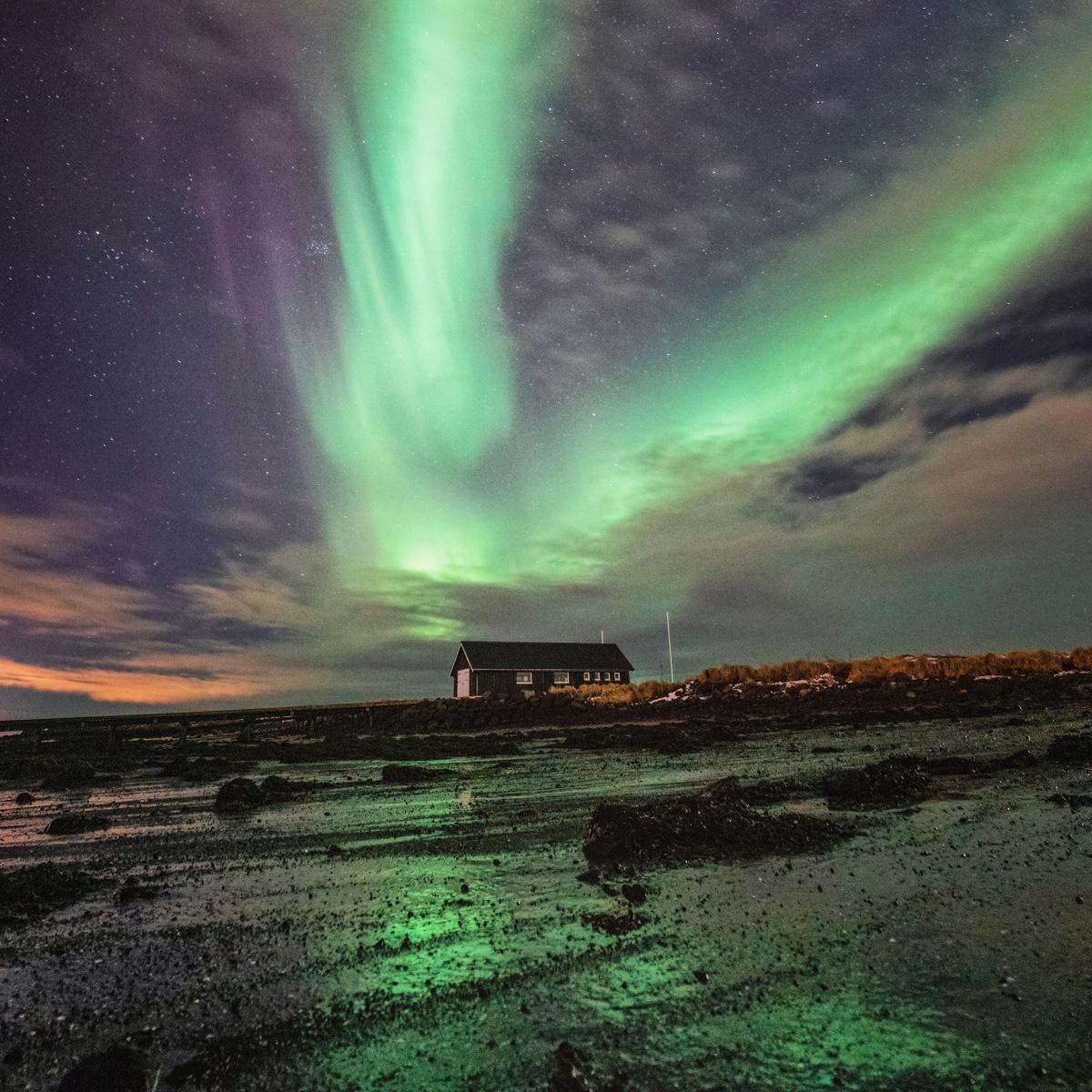 Island © Neil Thomas | unsplash