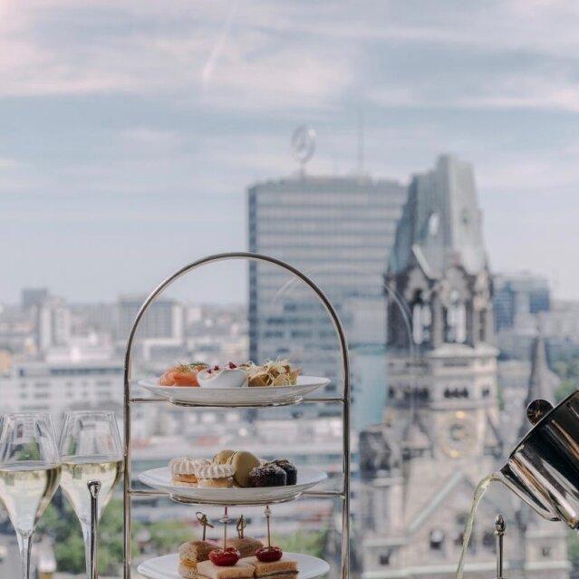 Waldorf Astoria Tea Time