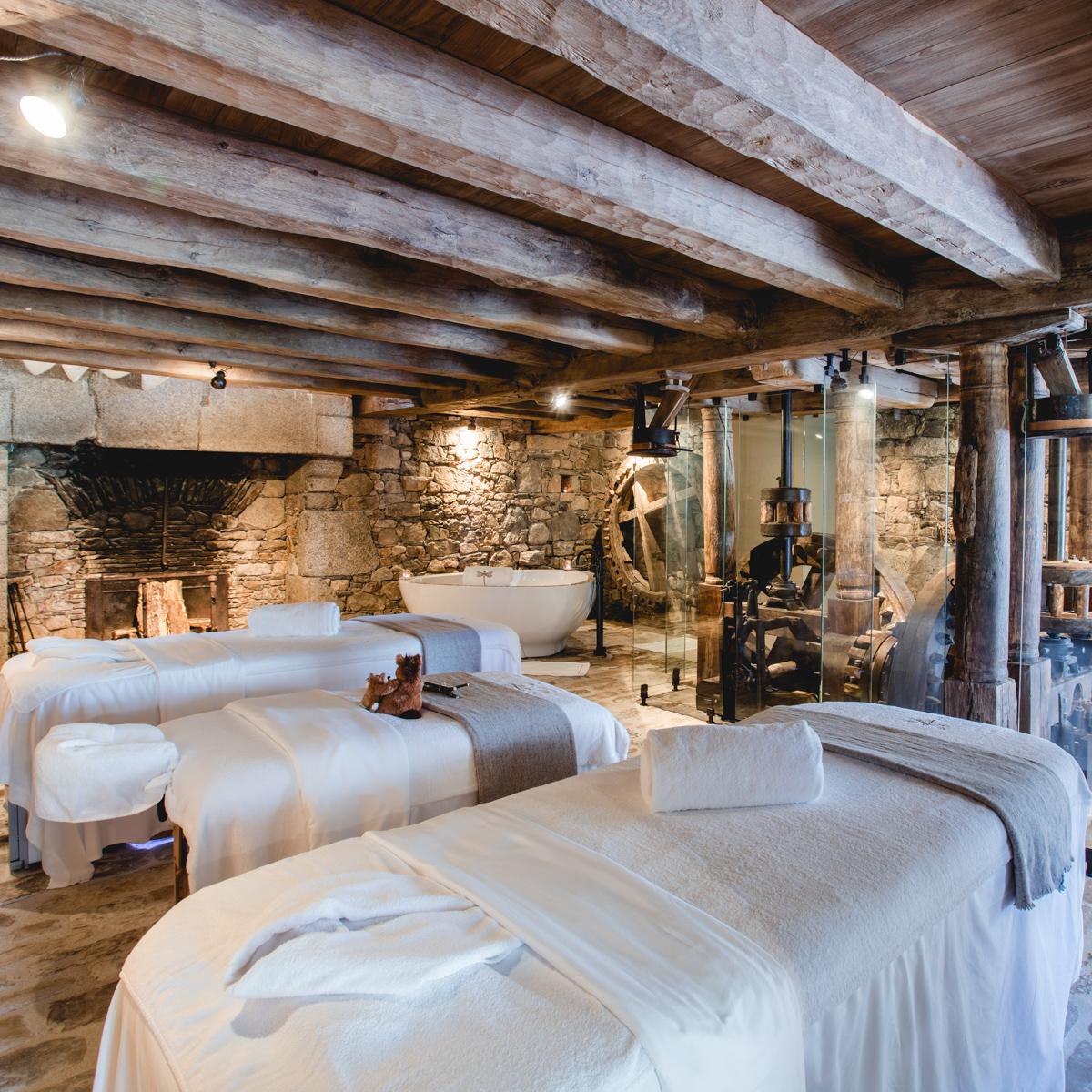 Hotel Domaine des Etangs Massignac Frankreich-15