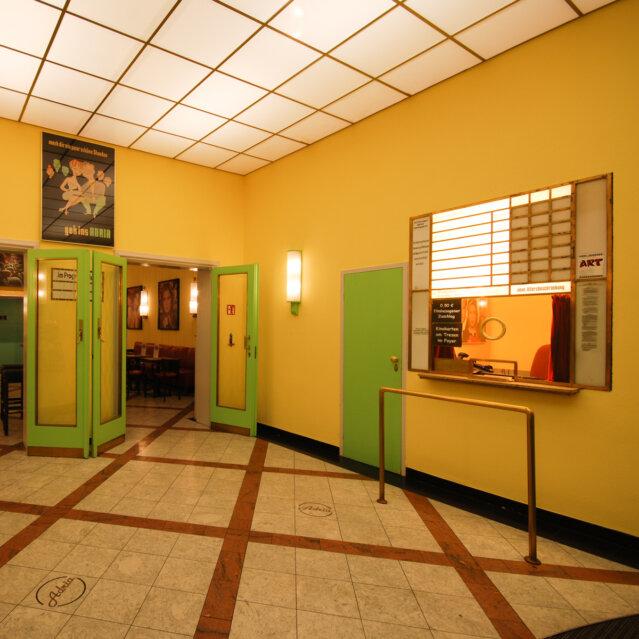 Adria Kino in Berlin Steglitz-3
