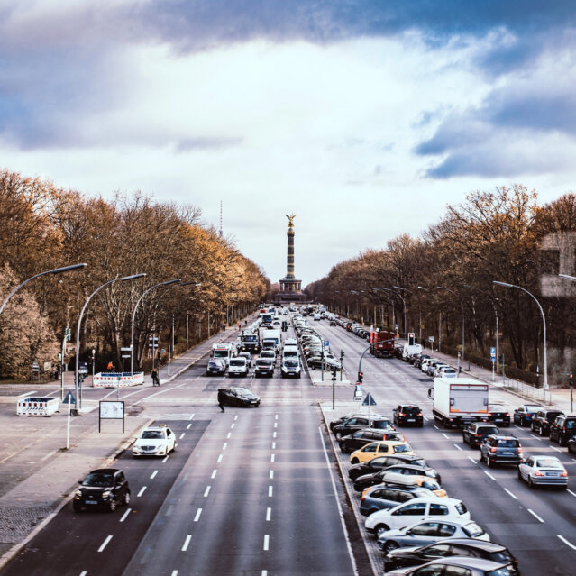 Straße des 17. Juni in Berlin Tiergarten