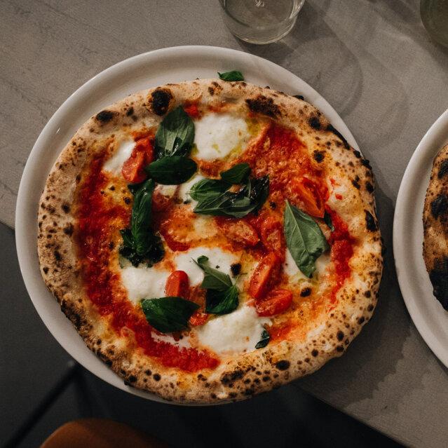 W Pizza in Berlin Neukölln-2