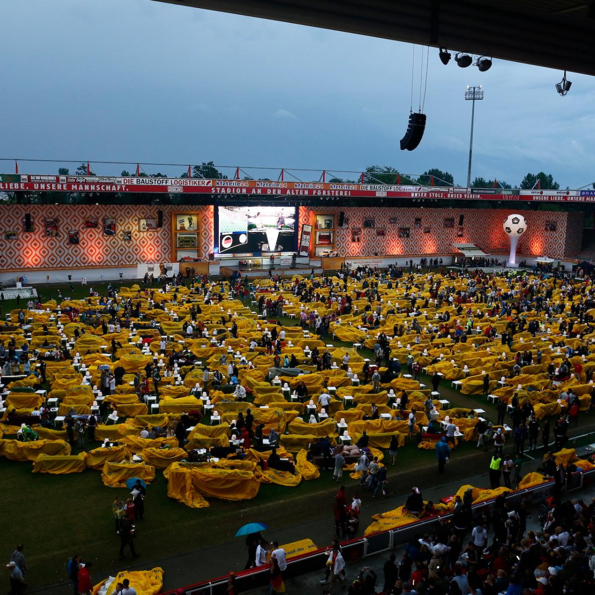 Stadion An der Alten Foersterei WM-Wohnzimmer