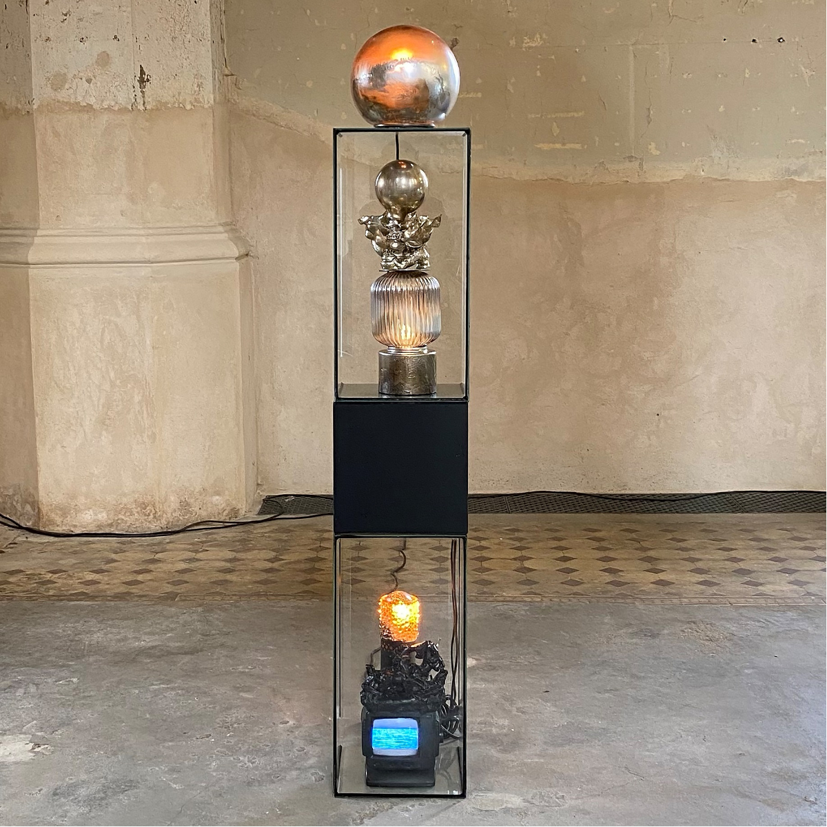 TRUTH LAMP, 2021, mixed media Points of Resistance @Zionskirche