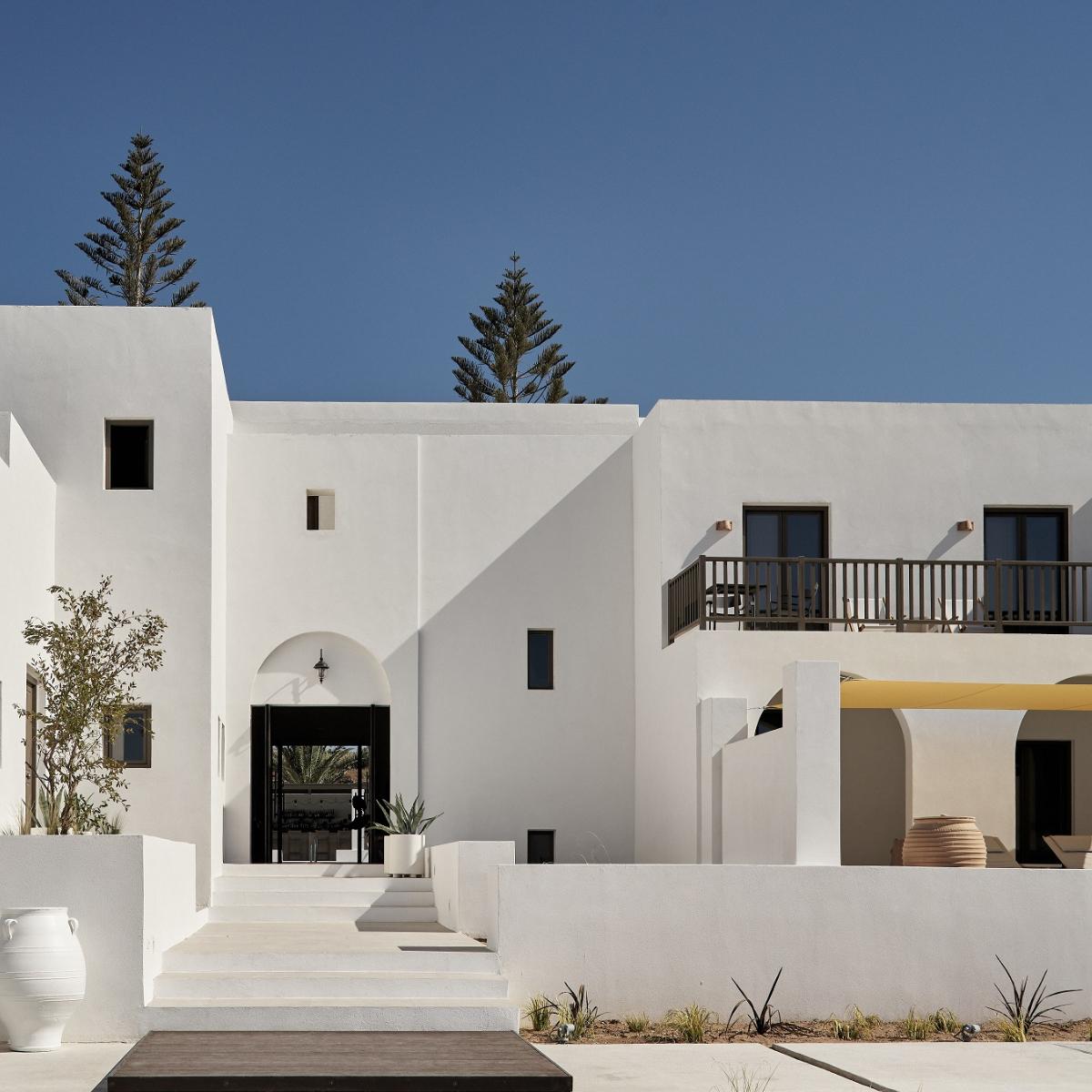 Parilio Main House
