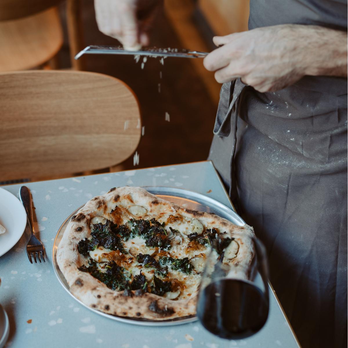 Estelle Dining Prenzlauer Berg Pizza Parmesan