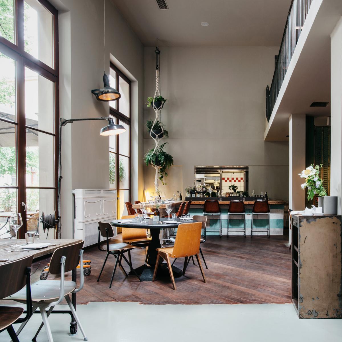 Kink Bar & Restaurant by Lee Edwards  (7)
