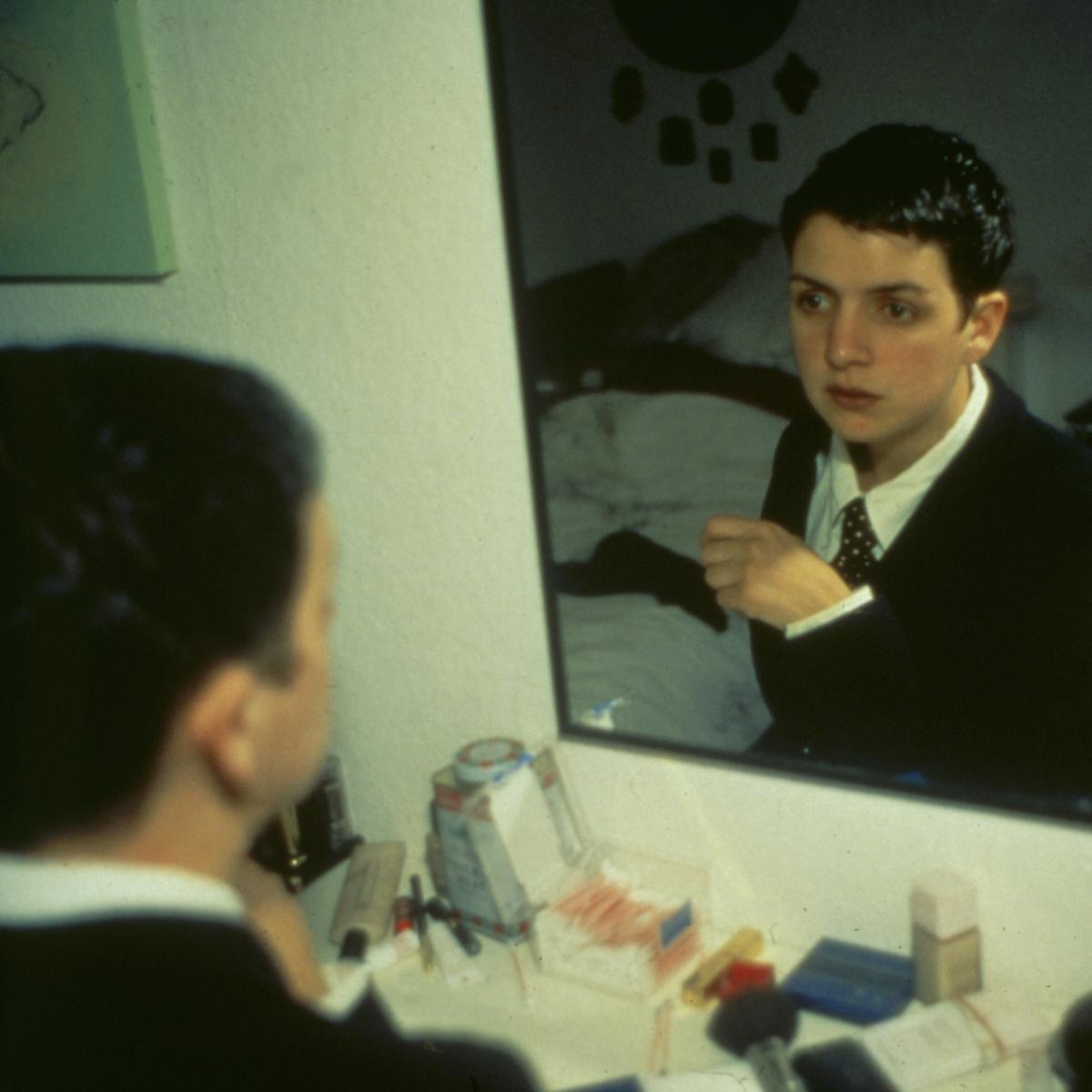 Nan Goldin, Siobhan in my mirror, Berlin, 1992,  Nan Goldin, Courtesy Marian Goodman Gallery