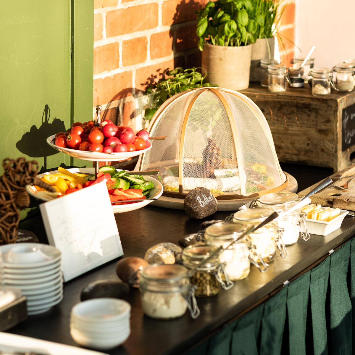 Seehotel Neuklostersee Fruestueckstbuffet